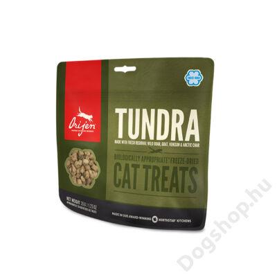 NS-treats-cat-Tundra-fr-lg.jpg